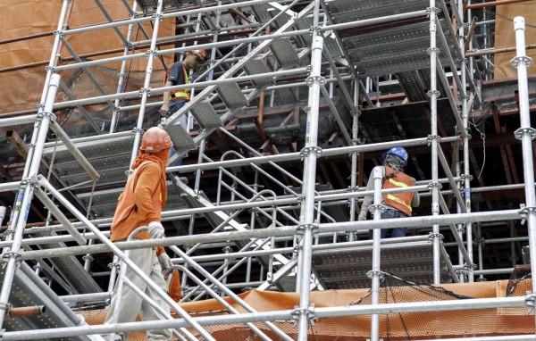 Des escaliers pour un accès en sécurité